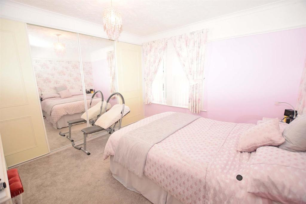 Cowper bedroom 1