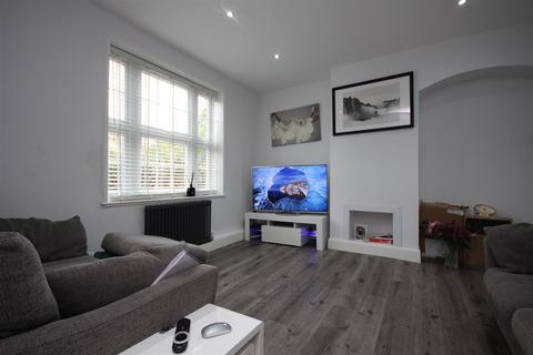 3 bedroom detached house to rent - Bentworth Road, Shepherds Bush, W12 7AA