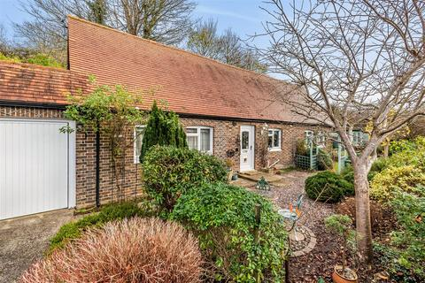 2 bedroom detached bungalow for sale - Castle Close, Bramber, Steyning