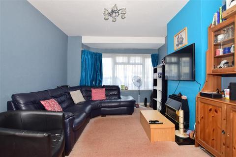 3 bedroom terraced house for sale - Stanley Avenue, Dagenham, Essex