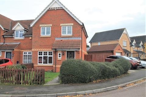 3 bedroom semi-detached house to rent - Lacock Gardens, Maidstone, Kent, ME15 6GJ