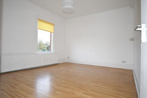 2 bedroom flat to rent - Primrose Road, London, Greater London. E18