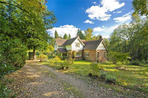 3 bedroom detached house for sale - Hook Heath Road, Hook Heath, Woking, Surrey, GU22