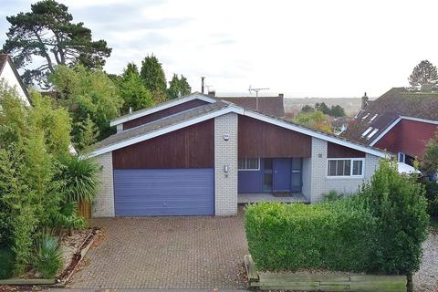 5 bedroom detached house for sale - Furze Road, High Salvington, Worthing, West Sussex, BN13