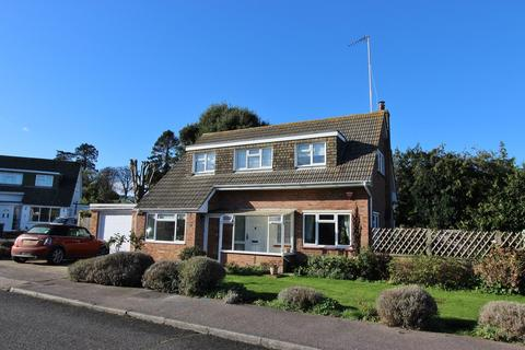 3 bedroom detached house for sale - Willingdon Place, Walmer