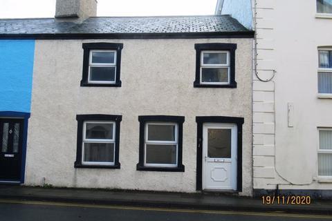 3 bedroom terraced house - Maengwyn Street, Tywyn