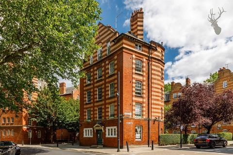 3 bedroom flat to rent - Arnold Circus, Shoreditch, London