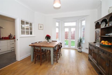 5 bedroom semi-detached house - Wolves Lane, Palmers Green N13