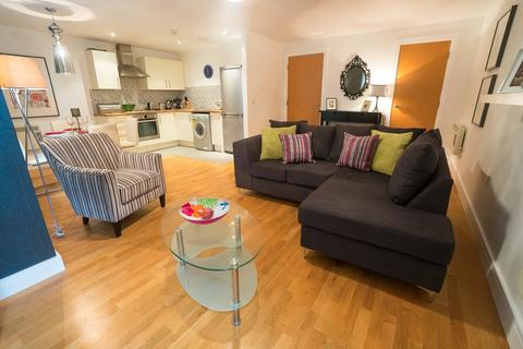 3 bedroom apartment to rent - Stradella Road, London