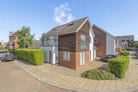 5 bedroom link detached house - Henrietta Chase St. Marys Island ME4