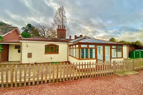 2 bedroom barn conversion for sale - Welsh Road, Childer Thornton, CH66 5PN