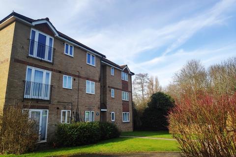 1 bedroom flat to rent - Longbridge Road, Horley