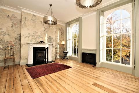 4 bedroom terraced house for sale - Mile End Road, Bow, London E3