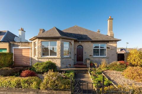 4 bedroom detached house for sale - 6 Duddingston Square East, Edinburgh, EH15 1RU