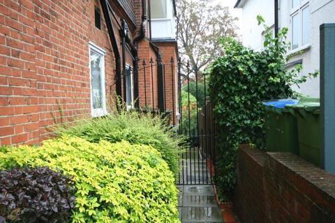 1 bedroom flat to rent - Kidbrooke Gardens, Blackheath SE3