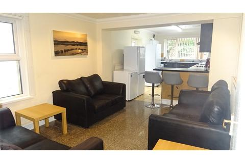 8 bedroom terraced house to rent - Woodville Road, Cathays, Cardiff