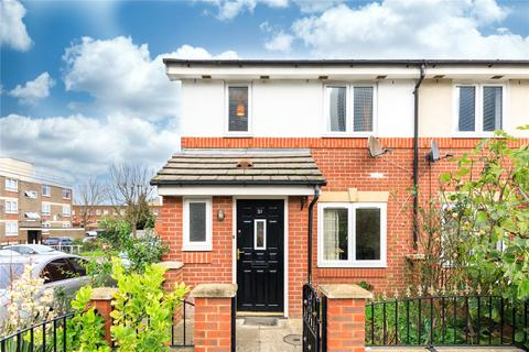 3 bedroom end of terrace house to rent - Dingle Gardens, London