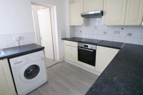 3 bedroom terraced house to rent - Totteridge Road, Enfield, EN3