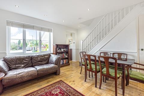 2 bedroom terraced house for sale - Sissinghurst Close Bromley BR1