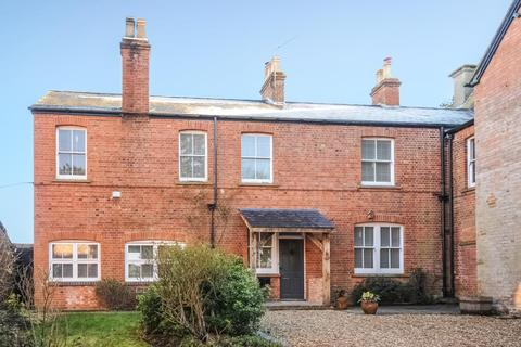 4 bedroom detached house to rent - Near Bicester,  Oxfordshire,  OX27