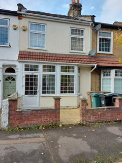 4 bedroom terraced house for sale - Kitchener Road,  London, E17