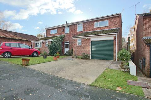 3 bedroom semi-detached house for sale - Lordswood, Southampton