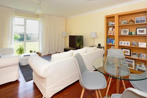 2 bedroom flat to rent - Sparkford Gardens London N11