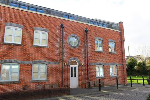 2 bedroom flat to rent - Brunel Court, , Truro, TR1 3AE