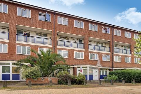 4 bedroom flat - Cooks Road Walworth SE17