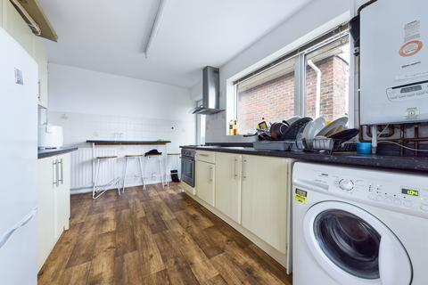 5 bedroom semi-detached house to rent - Wolverstone Drive, Brighton BN1
