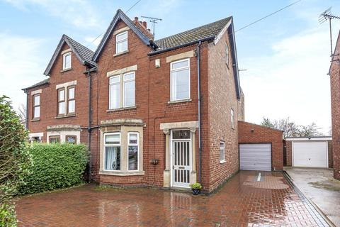 5 bedroom semi-detached house for sale - Barrowby Road, Grantham, NG31