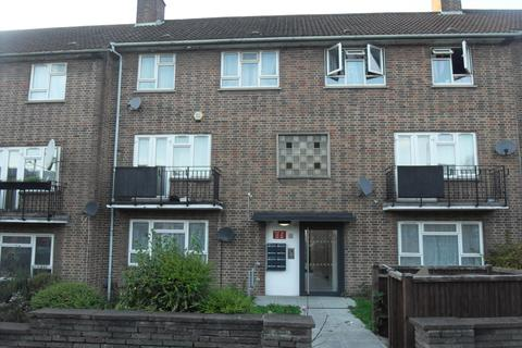 3 bedroom flat to rent - 86 Lower Road, South harrow, Middlesex, HA2 0DH