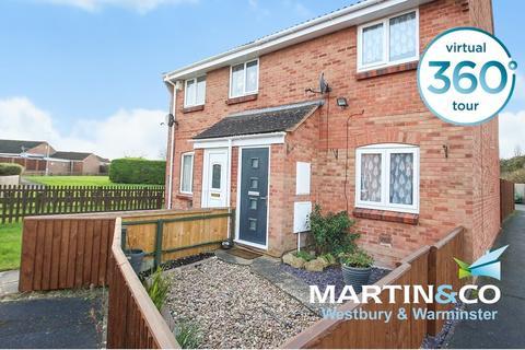 2 bedroom semi-detached house for sale - Phipps Close, Westbury
