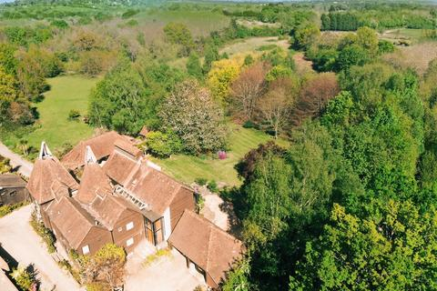 7 bedroom detached house for sale - Cryals Road, Brenchley