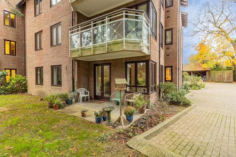 3 bedroom apartment for sale - Chesterford House, Southacre Drive, Cambridge
