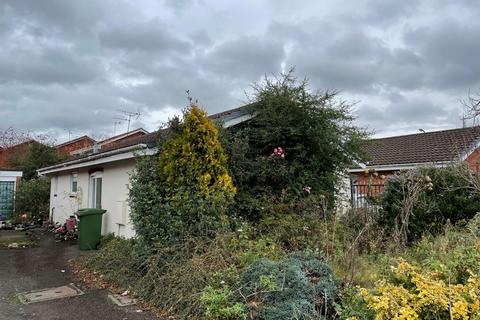 2 bedroom semi-detached bungalow for sale - Millwalk Drive