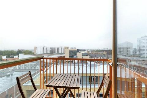 1 bedroom apartment for sale - Bath House, 5 Arboretum Place, Barking Central, Barking, IG11