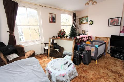 3 bedroom apartment for sale - Evershot Road, Stroud Green