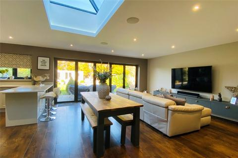 4 bedroom detached house for sale - Penton Hall Drive, Staines-upon-Thames, Surrey, TW18