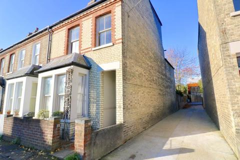 4 bedroom end of terrace house to rent - Vinery Road, Cambridge,