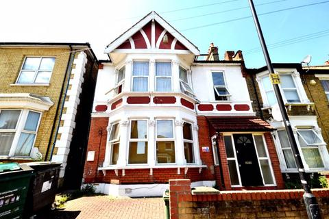 2 bedroom apartment to rent - Two Bedroom Flat to Let - Goldsmith Road, E10 (£1,300pcm) FREE RENTAL UNTIL JANUARY 4TH 2021