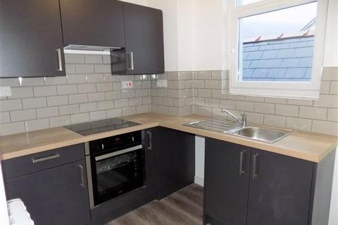 1 bedroom flat to rent - Flat 4, Commercial Street, Abertillery. NP13 1DQ