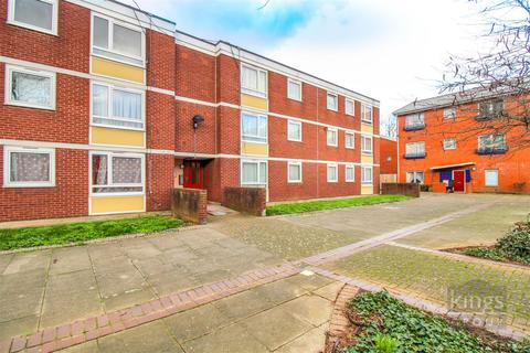3 bedroom flat for sale - Altair Close, London