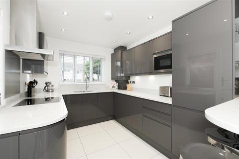 3 bedroom house for sale - Linkfield Street, Redhill