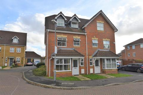 4 bedroom townhouse for sale - Arklay Close, Hillingdon, UB8