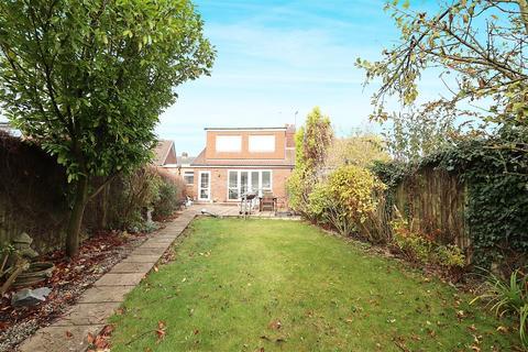 3 bedroom semi-detached bungalow for sale - Queensbury Way, Swanland, North Ferriby