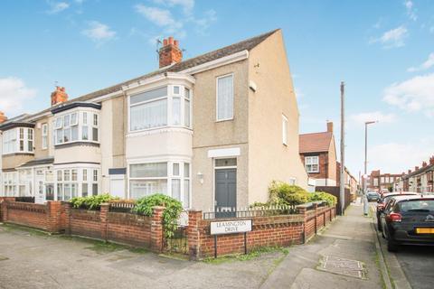 2 bedroom end of terrace house - Leamington Drive, Hartlepool