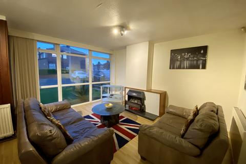 3 bedroom semi-detached house - Sark Road, Manchester, M21 9NT