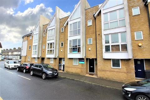 3 bedroom townhouse for sale - Granville Street, Dover, Kent, CT16 2QX