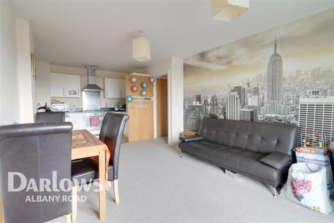 2 bedroom flat to rent - Overstone Court